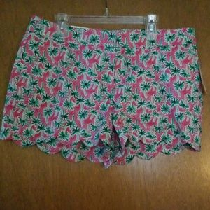 Crown & Ivy Shelby Scallop Shorts